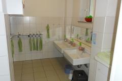 Waschraum Grashüpfer 2